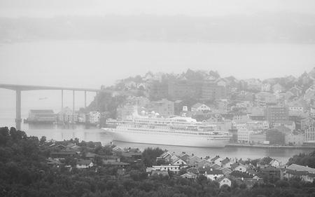 Kryssningsfartyg på besök i Kristiansund.. vilket år?